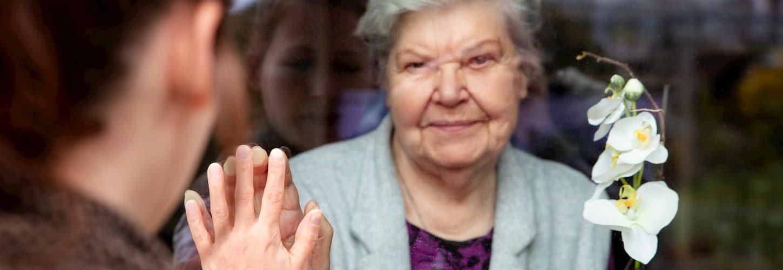 protéger les seniors du coronavirus